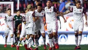 Los jugadores de Xolos festejando el primer gol del partido