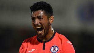 Lucas Passerini celebrando un gol ante Juárez