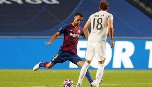 Sergio Busquets en acción frente al Bayern Munich