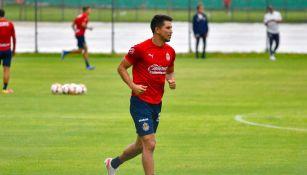 Jesús Molina durante un entrenamiento con Chivas