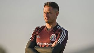 Chicharito Hernández en un entrenamiento con el Tri