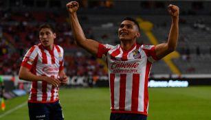 Sepúlveda festejando un gol contra las Chivas