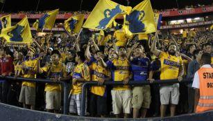 Aficionados de Tigres en el Estadio Universitario