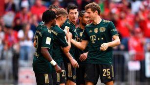Jugadores del Bayern Munich festejando un gol a favor