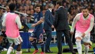 Messi sale molestó del partido vs Olympique Lyon en la Ligue 1