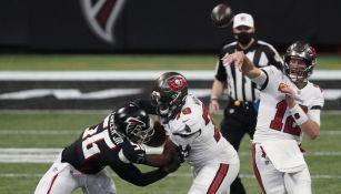 Tom Brady y los Bucs: Por décima victoria consecutiva ante unos Falcons en reconstrucción