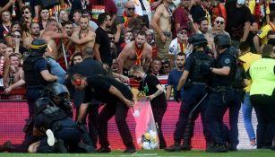 Ligue 1: Lens castigado por ingreso de aficionados en partido ante Lille
