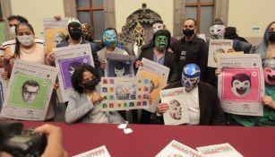INJUVE presentó álbum de la Lucha Libre