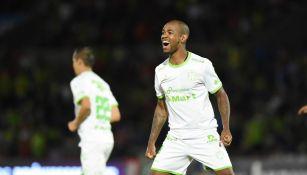 Diego Rolán celebrando su gol ante San Luis
