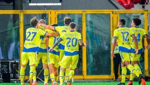 Jugadores de la Juventus celebrando un gol vs Spezia