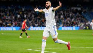 Karim Benzema festejando un gol contra Mallorca