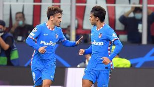 Griezman y João Félix celebran un gol