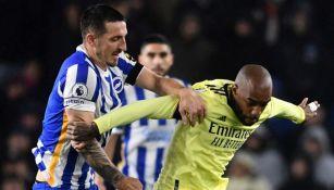 Lacazette en el duelo entre Arsenal y Brighton