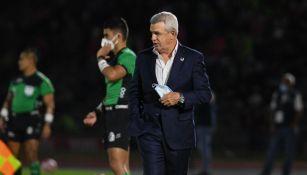 Aguirre en el partido con Rayados