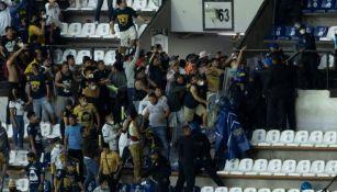 Violencia en las tribunas del Estadio Azteca