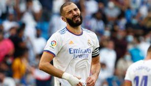 Karim Benzema lamentando la derrota del Real Madrid