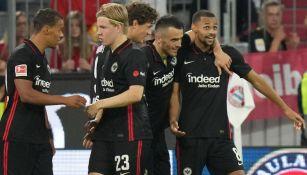 Los jugadores del Frankfurt celebrando un gol