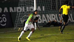 Gullit Peña marcó su primer doblete con Antigua GFC