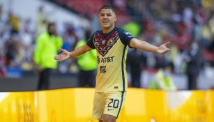 Richard Sánchez festeja su gol