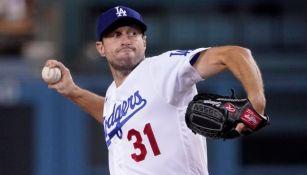 Max Scherzer en acción con los Dodgers