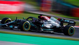 Lewis Hamilton en prueba libre en el GP de Turquía