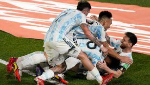 Los jugadores de Argentina celebrando un gol