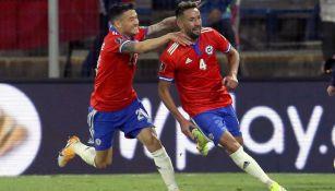 Los jugadores de Chile celebrando un gol