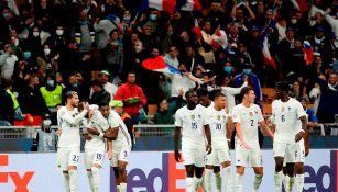 Jugadores franceses celebran gol vs España
