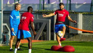 Agüero y Dembélé regresaron a los entrenamientos del Barça