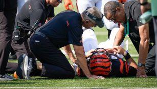 NFL: QB de Cincinnati salió del hospital, tras ingreso por contusión en la garganta