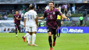 Córdova festeja su gol vs Honduras