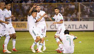 México en festejo del gol de Raúl