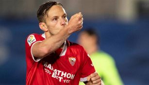 Ivan Rakitic festeja gol con el Sevilla