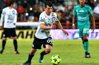Hirving Lozano, durante el partido contra Jaguares del C2017