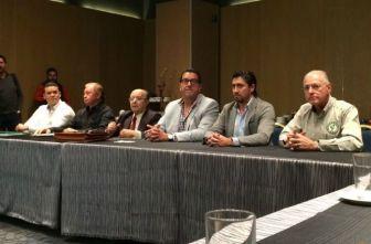 Escalante y la asamblea de directivos de la LMB