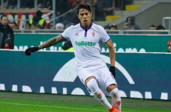 Carlos Salcedo, durante un partido con la Fiorentina