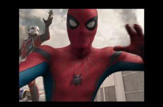 Spiderman, durante la pelea en 'Civil War'