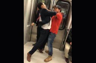 Pasajeros del Metro intercambian golpes
