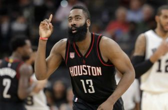 James Harden, durante un juego con Houston Rockets