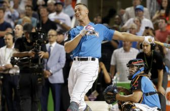 Aaron Judge conectado un batazo en el Home Run Derby