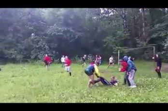 Embedded thumbnail for Ultras rusos organizan batalla campal en bosque de Moscú