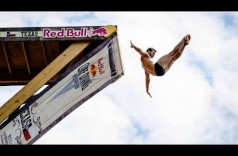 Embedded thumbnail for Los mejores clavados del Red Bull Cliff Diving World Series Texas 2017