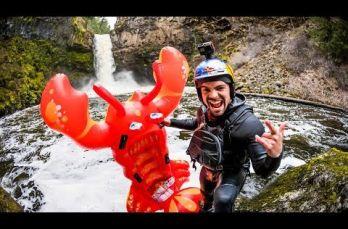 Embedded thumbnail for Rafa Ortiz se arroja desde una cascada en langosta inflable