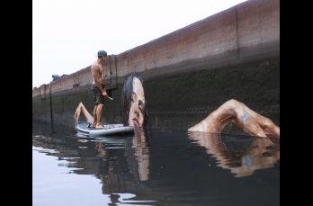 El artista es neoyorquino y se llama Sean Yoro