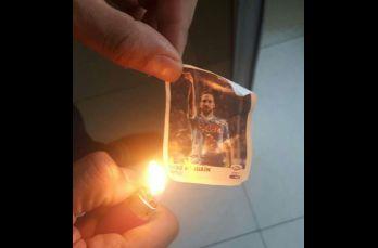 Estampa de Higuaín es quemada
