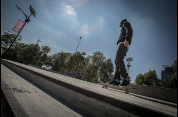 Bajo un intenso sol se llevó a cabo el 'Go skateboarding day'