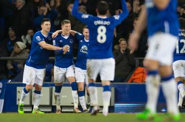 Ross Barkley celebra un gol con Everton