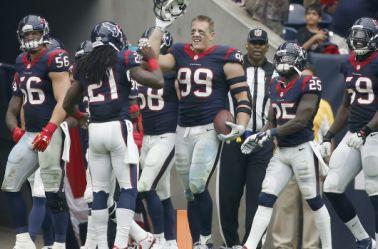 Jugadores de los Texanos celebran una victoria