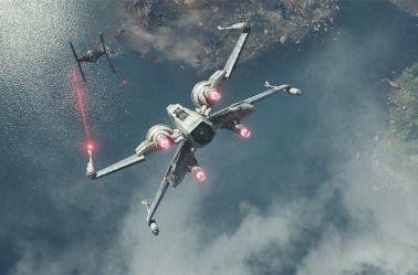Batalla entre un  Tie Fighter y un X-Wing