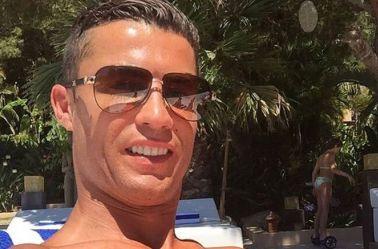 Cristiano publicó en redes sociales una foto con Conor McGregor, luchador de la empresa de Artes Marciales Mixtas